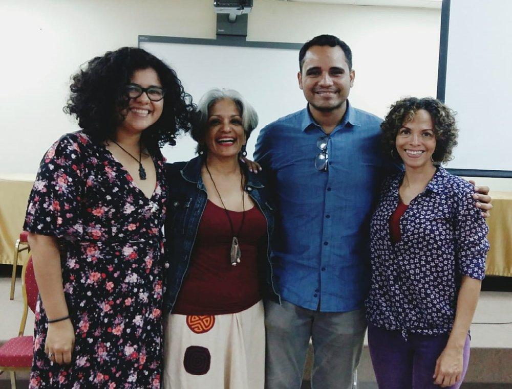 """Invitadas por Carlos Smith para exponer en su módulo de """"Modelos de intervención y tratamiento de las violencias hacia la mujer"""", en la maestría de prevención de la VBG en la Universidad de Panamá (17 de marzo 2018)."""