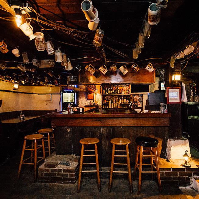 The Drovers Inn >> Drover S Inn Tavern