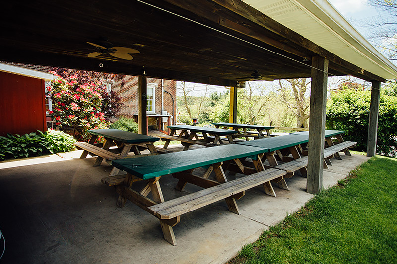 drovers-inn-restaurant-outdoor-patio2page.jpg
