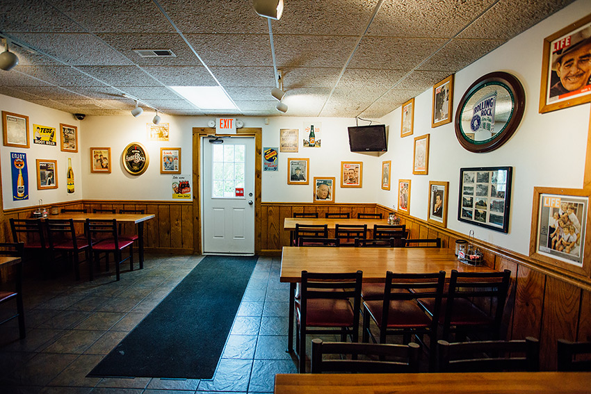 drovers-inn-wellsburg-back-room1.jpg