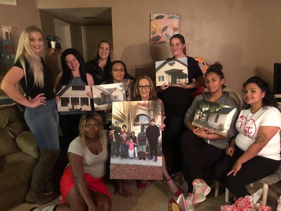 xmas-womens-house-02-group.jpg