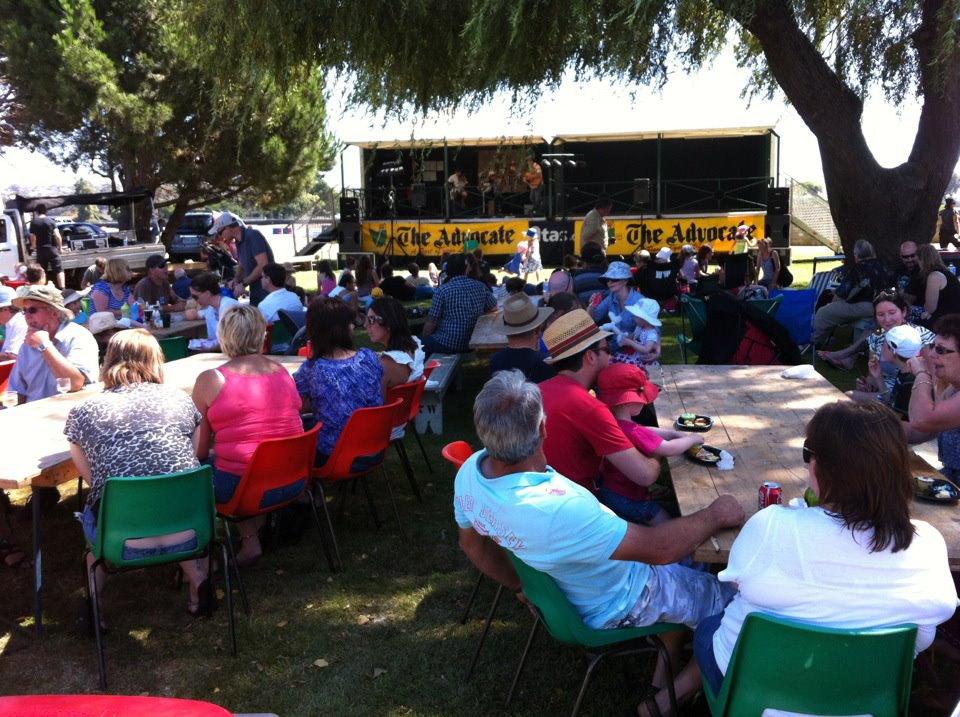 Enjoying the music in the shade, with plenty of food & beverages to chose from