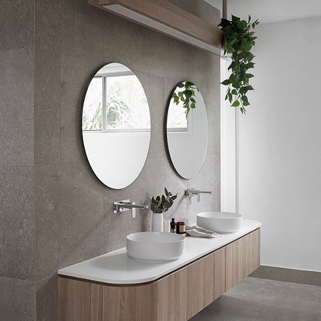 LU loves ••• beautifully styled interiors + a touch of #indoorgreenery 🌿💚| this gorgeous #bathroom is designed by the talented style sisters @zephyr_and_stone | love your work ladies 👭 xx Sally @lily.urban . . . . . . . . . . . #bathroomdesign #bathroomdecor #bathroominspo #contemporarybathroom #interiordesign #minimalism #indoorgreen #fauxplants #botanicaldecor #botanicalstyling #bathroommirror #lilyurban #changingthefaceoffaux #contemporaryinteriors #baysidemelbourne #melbournebayside #smallbusiness #curateddecor #madetoorder
