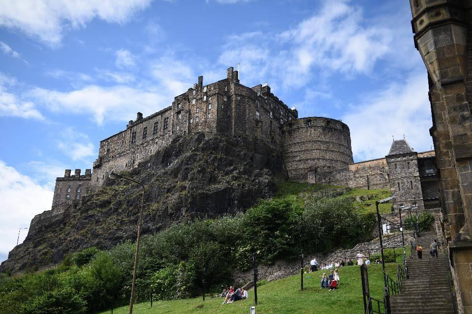 Edinburgh castle in Scotland (Credit: OLI SCARFF/AFP/Getty Images)
