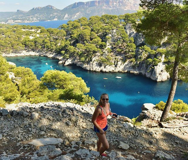 Such an awesome hike at Les Calanques in France! I didn't even know this place existed until last week and now I'm wondering about all the other beautiful places I have yet to see...💭🌏Really don't want this trip to end!!