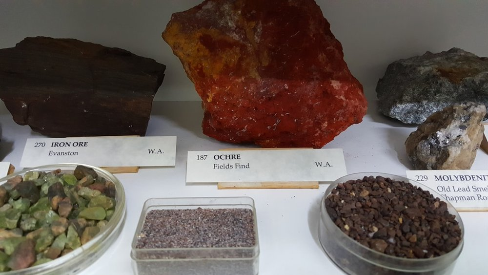 ROCKS and MINERALS, GEORGE GARNER COLLECTION