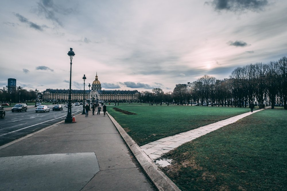ParisStockdos-1.jpg