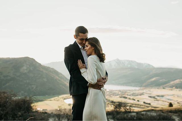 So much beauty in one photo!  A special day for these two Kerikeri lovers who made the journey down to Queenstown with their little man to elope one beautiful Spring day. Can we also take a moment to admire Samantha's cheekbones!  Who else planning their elopement in Queenstown? Captured by @phoenixcasuarina