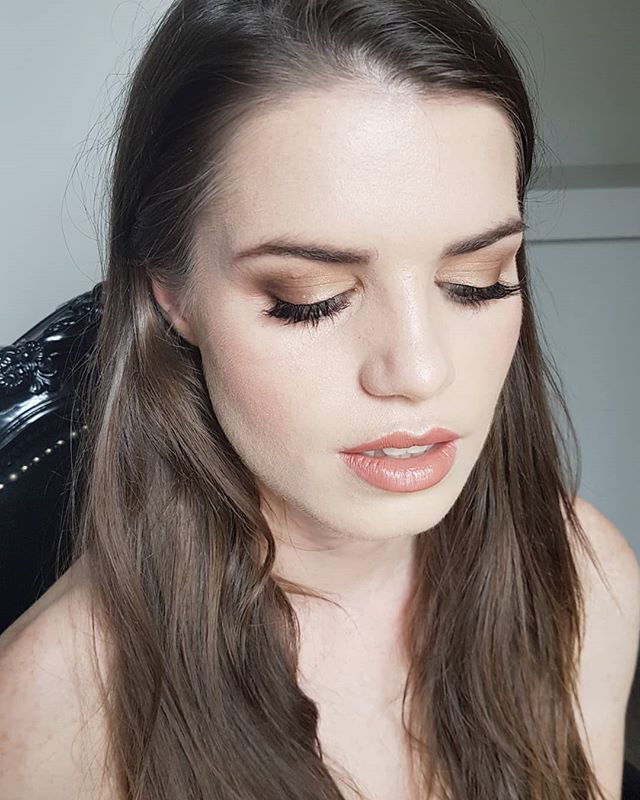 Special occasion makeup for natural beauty @liz_dotcom  Swipe left to see if she liked it 😉