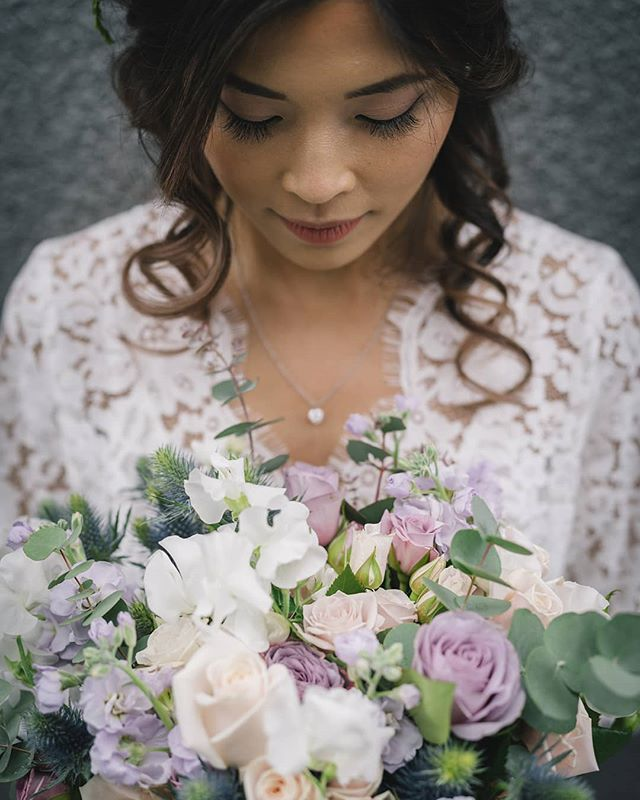 💐 Elizabeth 💐 How gorgeous are these flowers?  Put together by the amazing team at @flowerroomqueenstown  Image by @rich_bayley_photography