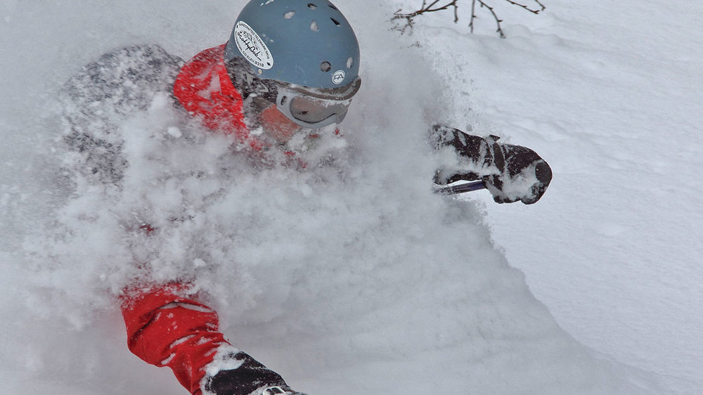 Powder Skiing Hokkaido