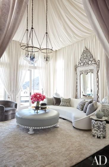 khloe-kardashian-home-house-inside-decpratio-architectural-digest-6-367x560.jpg