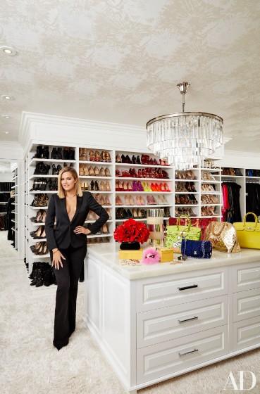 khloe-kardashian-home-house-inside-decpratio-architectural-digest-4-369x560.jpg