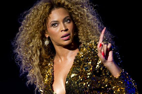 WHY IS BEYONCE SUING ?!