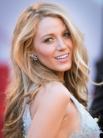 celebrity-trends-2015-10-blake-lively-with-blonde-hair.jpg