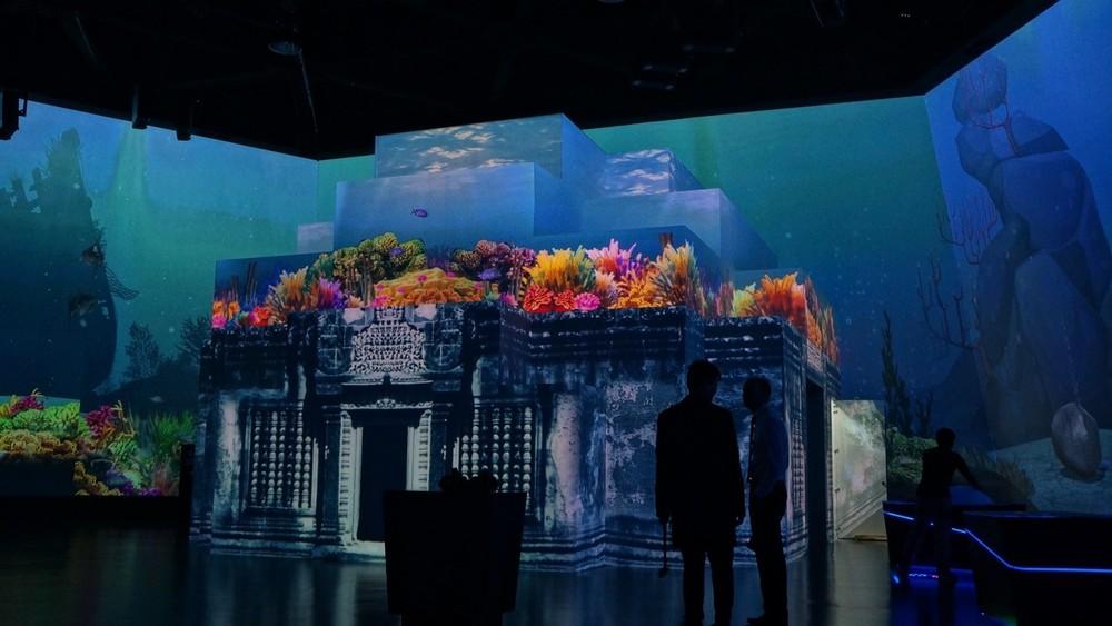 Här används WATCHOUT-systemet för att skapa ett virtuellt akvarium i Singapore Science Centre. Klicka på bilden för mer information om detta.