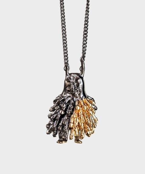 Edle stener. Denne varianten av «cock monster» er laget av forgylt sølv, men finnes også med safirer, diamanter og rubiner til 58.000 kroner.