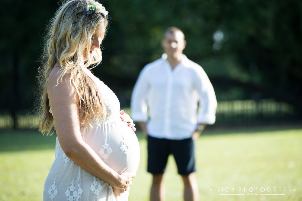 Outdoor maternity baby bump