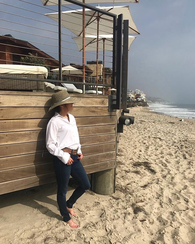 A white shirt is always a 'must have' for any trip. #styleblogger #fashionblogger #whiteshirt #outfitoftheday #fashionmusthave @nobumalibu #whattowear #whattopack #casualchic #onthebeach #relax