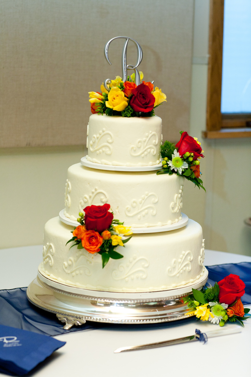 12. Fall color cake decoration