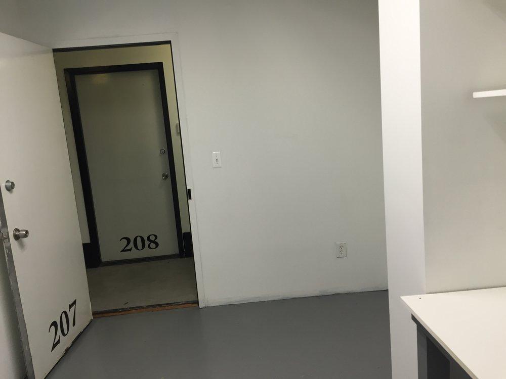 207-3.jpg