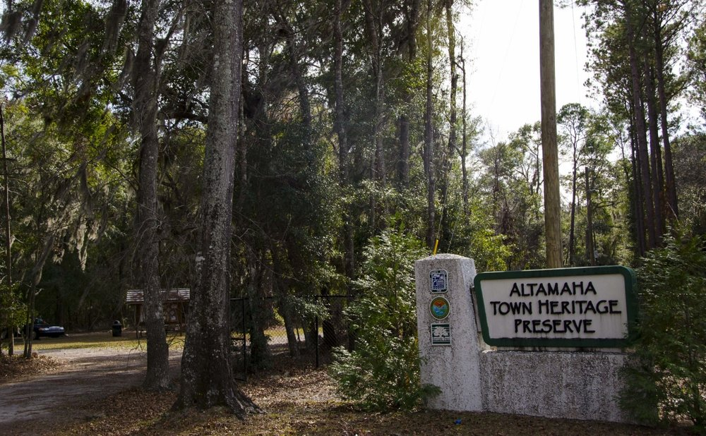 Altamaha Town Heritage Preserve, located halfway between Beaufort and Hilton Head, is a great spot for a quick leg-stretching hike or a picnic lunch.