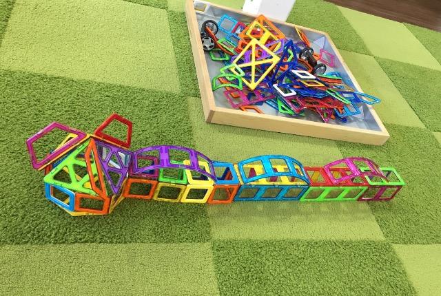 buildingwithmagformers.jpg