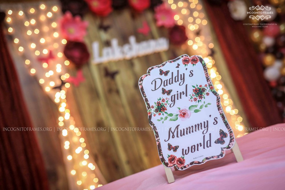mummy's world-stage-decore.jpg