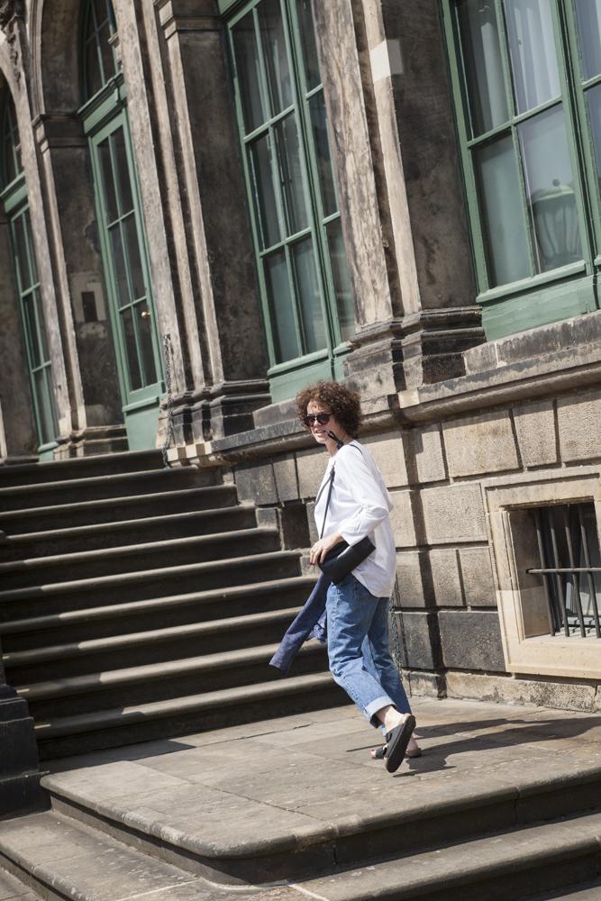 MetropolitanCircus_Outfit_Dresden_Normcore_Jeans_Levis_AlexanderWang_4.jpg