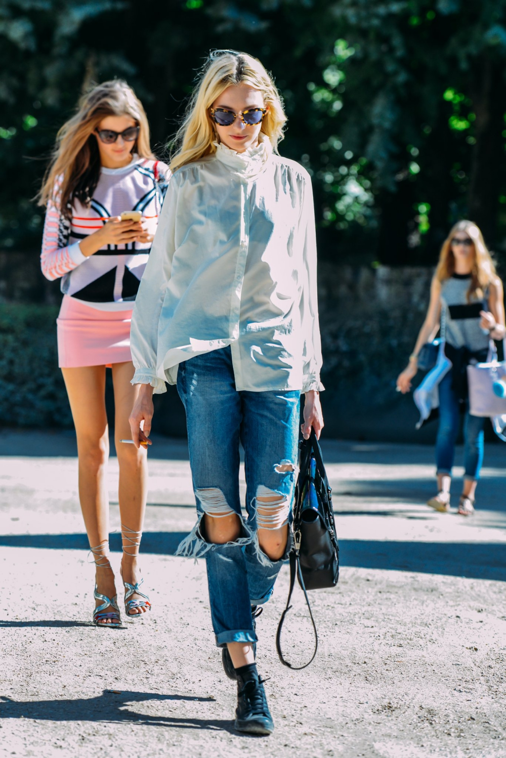 09-fall-2015-couture-street-style-14.jpg