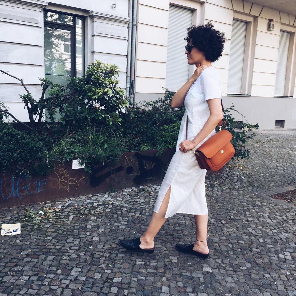 Kleid Back, Shirt H&M, Schuhe Mango, Tasche Bree