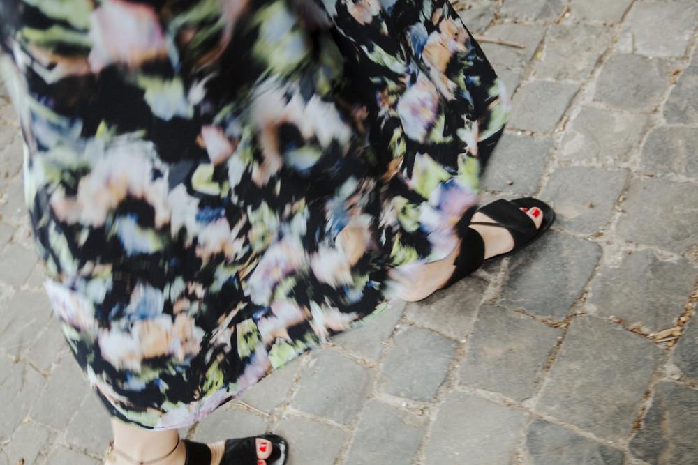 Kleid H&M, Sandalen Calvin Klein Collection