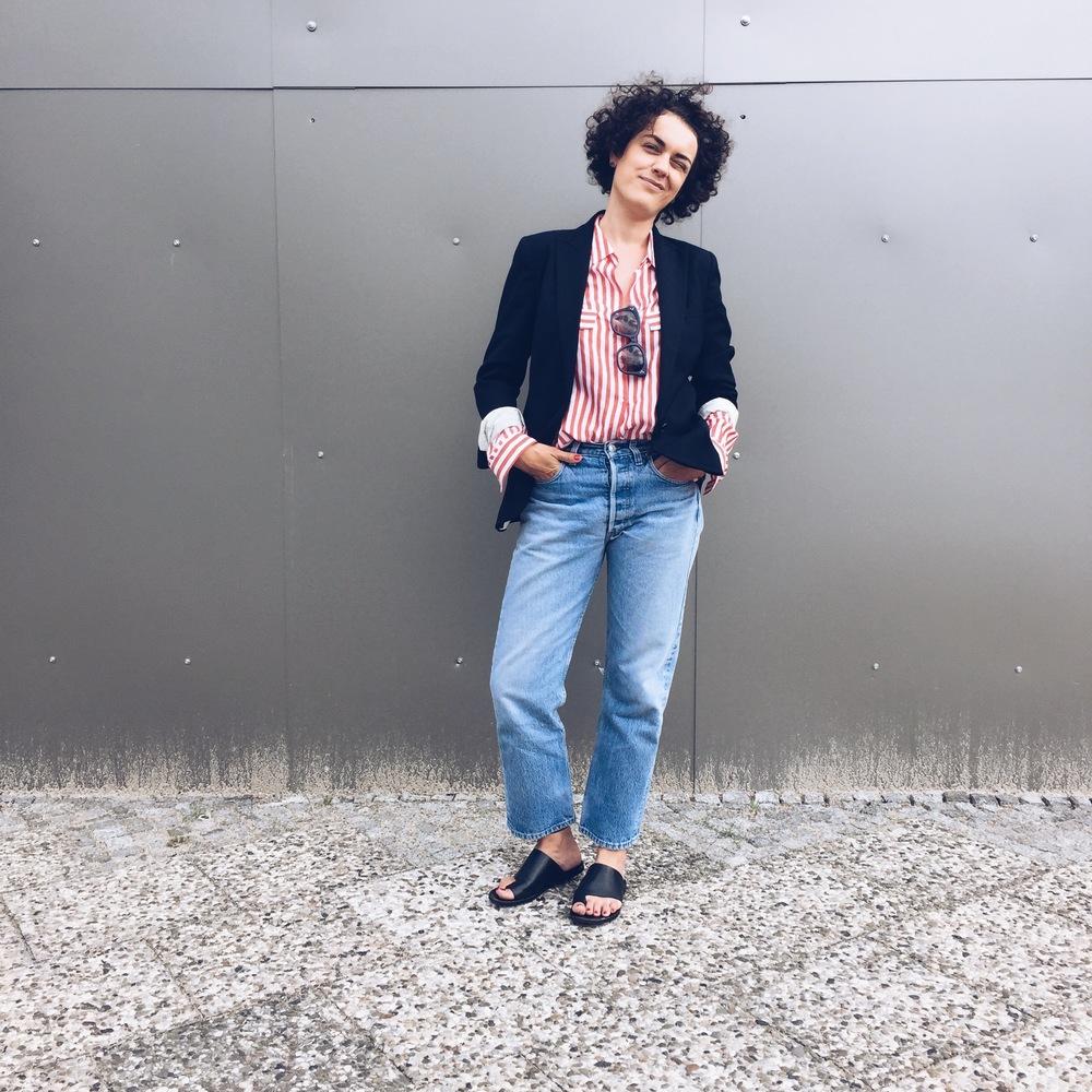 Blazer Isabel Marant, Bluse Zara, Jeans Levi's 501, Sandalen & other Stories