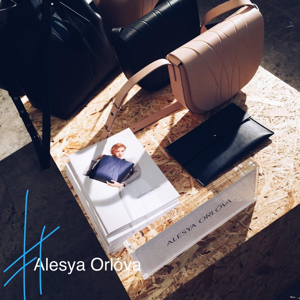 Die Taschen der Saison macht das Hamburger Label Alesya Orlóva. Wir haben zwei Modelle bereits im  Store .