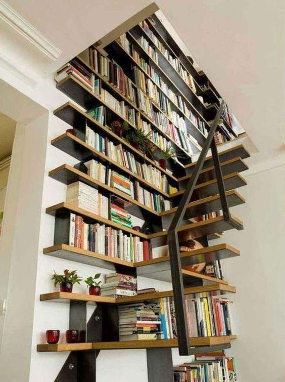 Die Treppe als Bücherregal