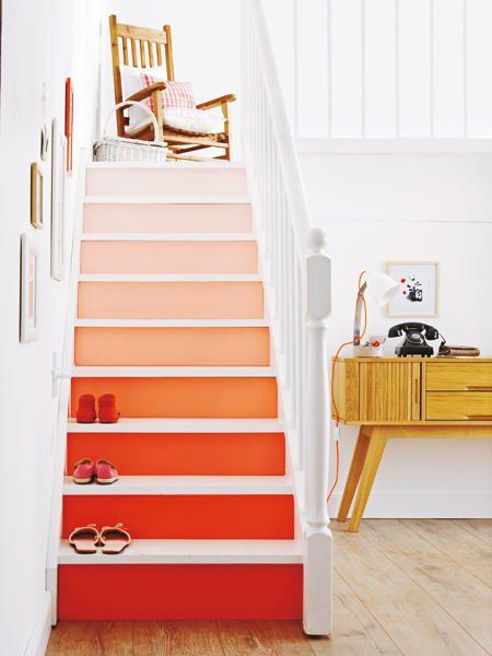 Treppe mit Farbverlauf