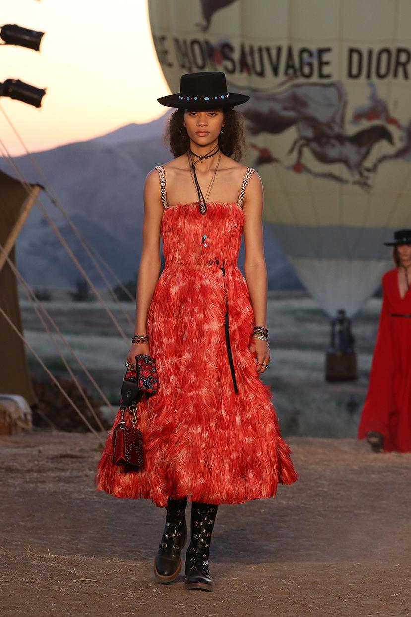 Dior_Cruise_2018_Look34.jpg