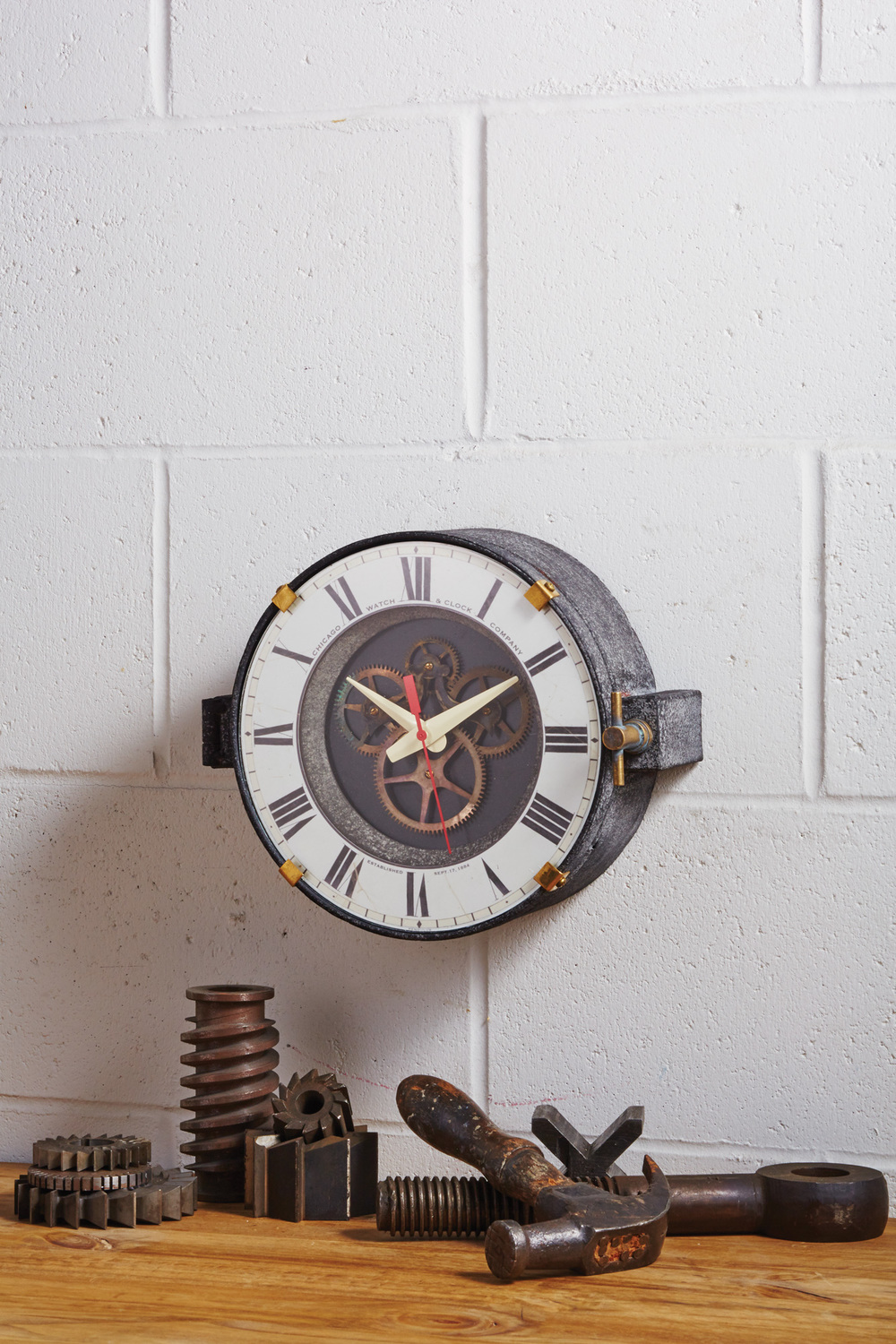 Chicago-Factory-Wall-Clock_Main-situation-small.jpg