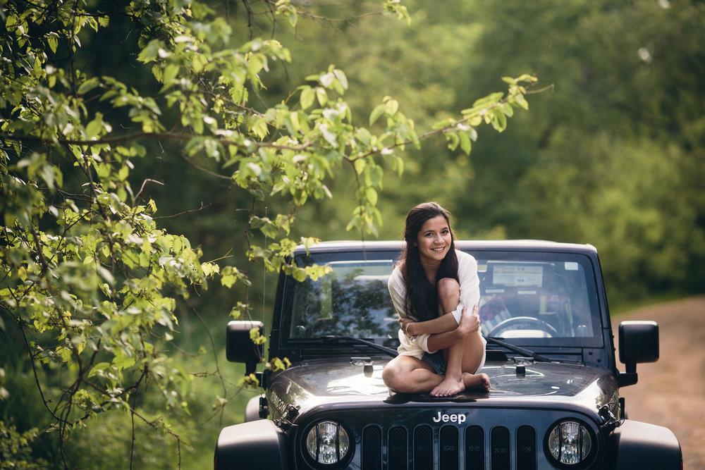 jeep-senior-session-new-glarus-wi.JPG