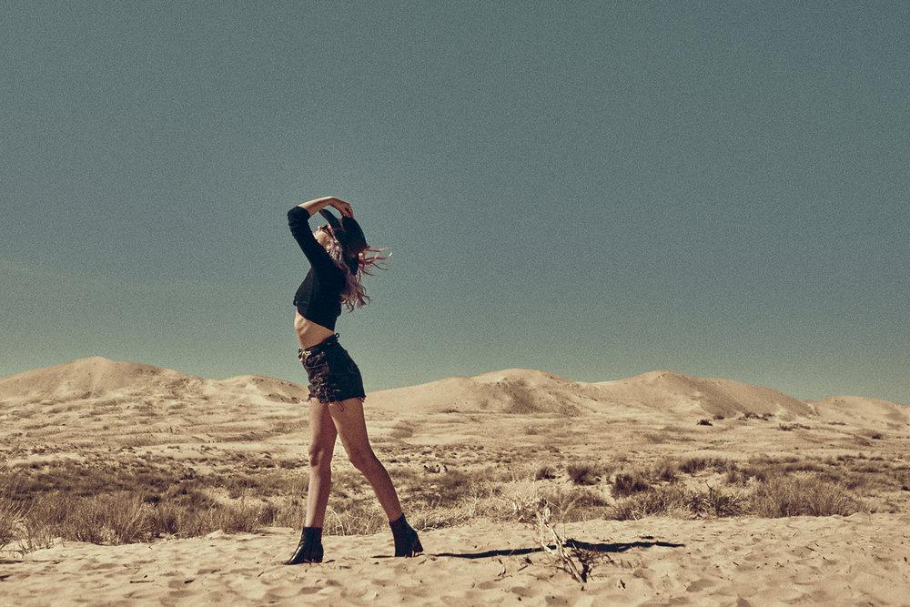 Desert-Editorial-Photoshoot_04.jpg