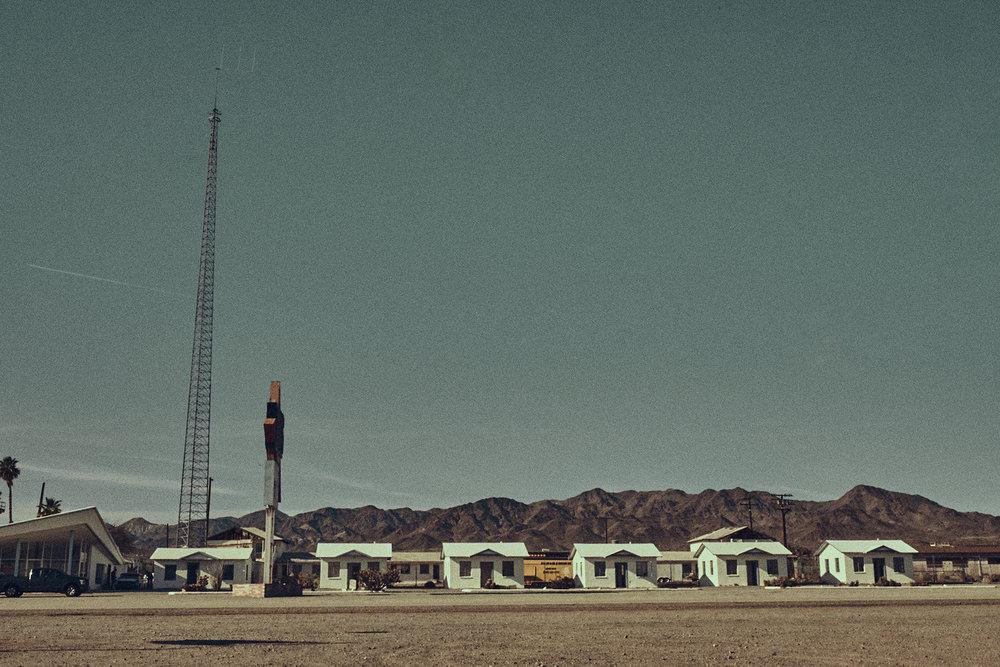 Desert-Editorial-Photoshoot_09.jpg