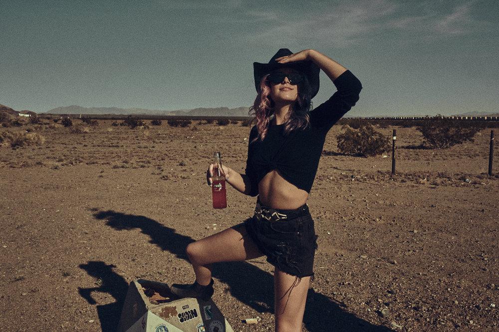 Desert-Editorial-Photoshoot_17.jpg