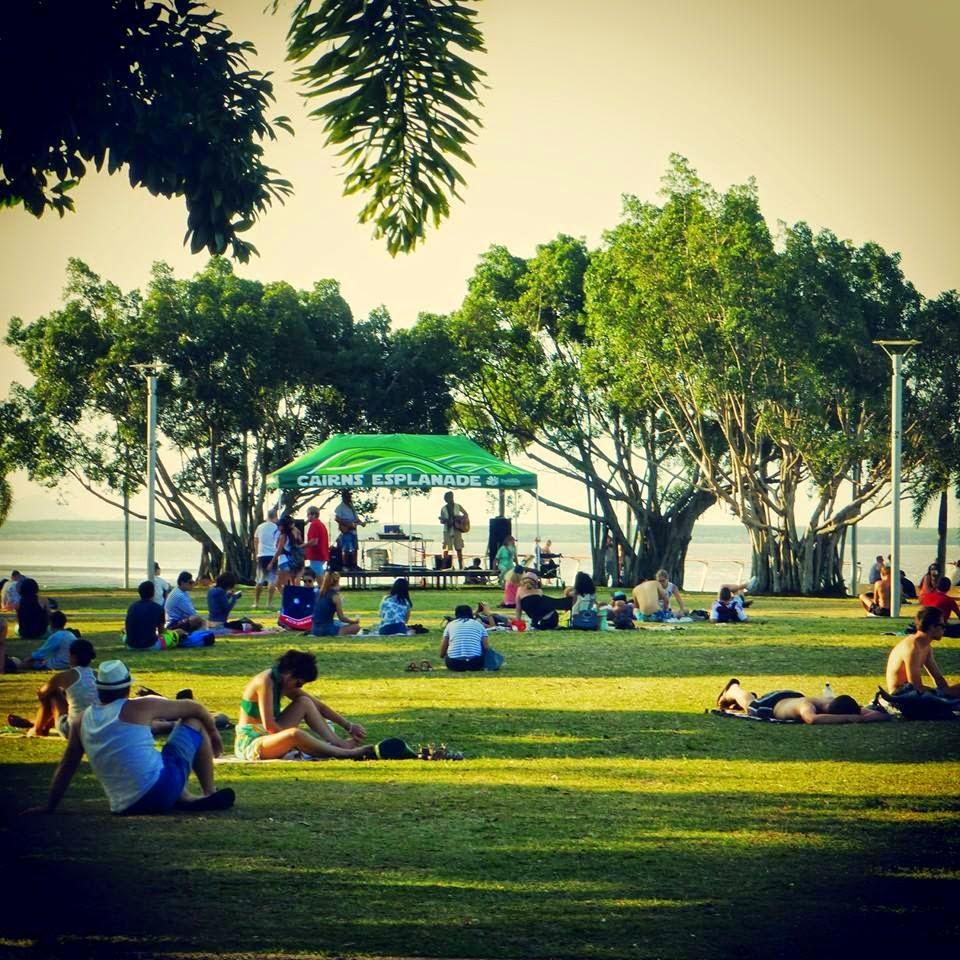 Cairns esplanade 3.jpg