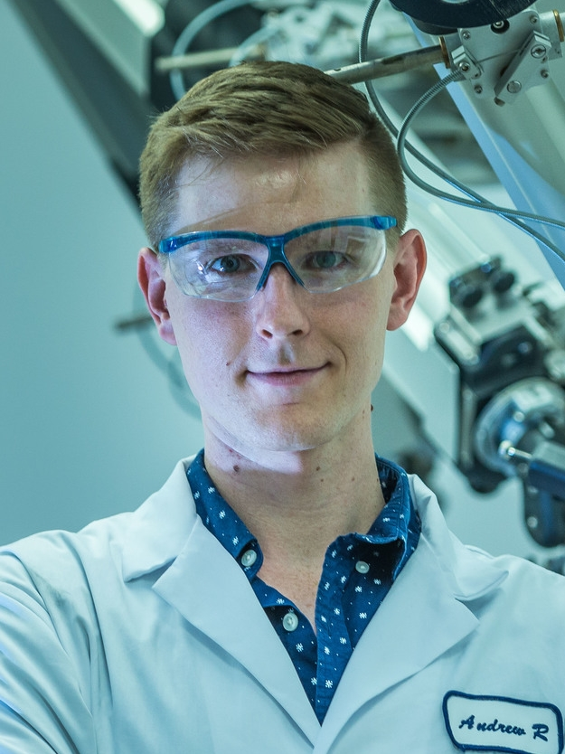 Andrew Robertson    Canada Masters Student  Department of Physics and Astronomy   Andrew studies medical physics. His current research focuses on the use of SPECT imaging to evaluate chelates used in targeted alpha therapy.