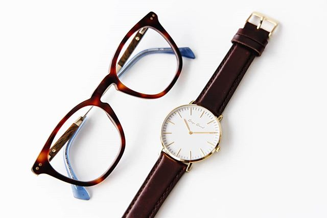 Warm neutrals nicely paired. Get the brown-gold combo at roysroad.com/redrock. . . . . . . . . . . . #roysroad #designerwatches #wellington #newzealand #minimal #style #unisex #wristwatch #fashion #nzdesign #urbanstyle #modern #minimalist #roysroadwatchco #watchesofinstagram