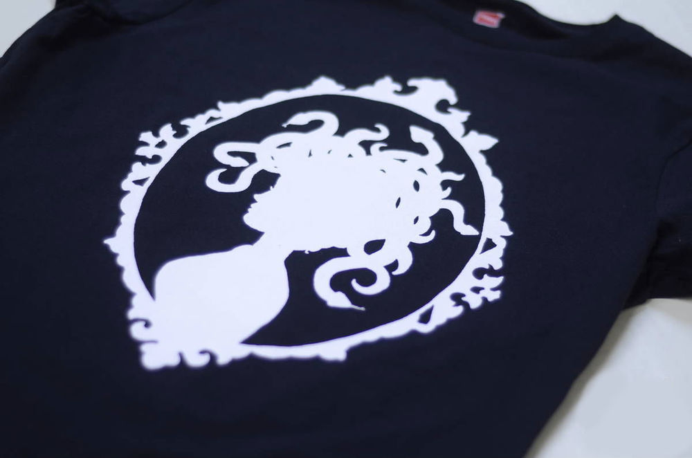 Medusa Tshirt - Framed Medusa Silhouette T-Shirt (Available sizes S, M)