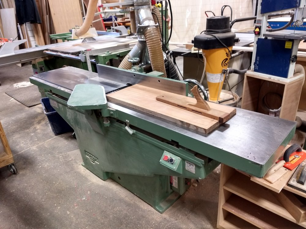 Jointing one face flat