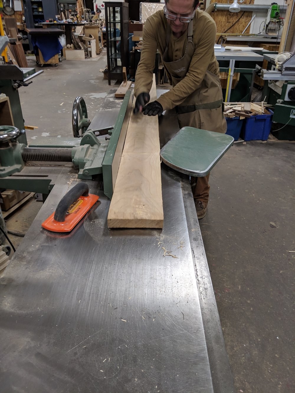 Jointing wood for edge banding
