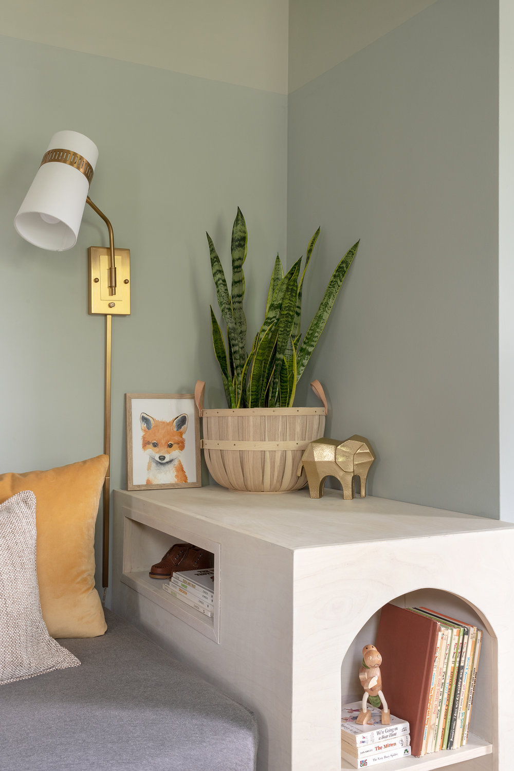 flamingo_nursery_bed_detail_02.jpg