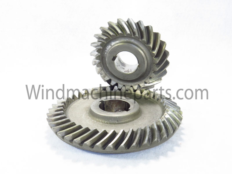 Gearbox Gears New and used gear sets for Amarillo, Crop Saver, and Tropic Breeze wind machines-- both electric and ground-power models.  We also have a large selection of shafts, bearings, seals, and other components. Give us a call and we can find the right parts for your gearbox.